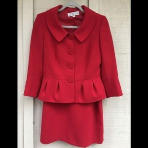 TAHARI red suit 3/4 sleeves straight skirt
